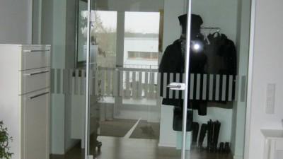 Glasanlage-mit-Aluzarge.400x225-crop.JPG